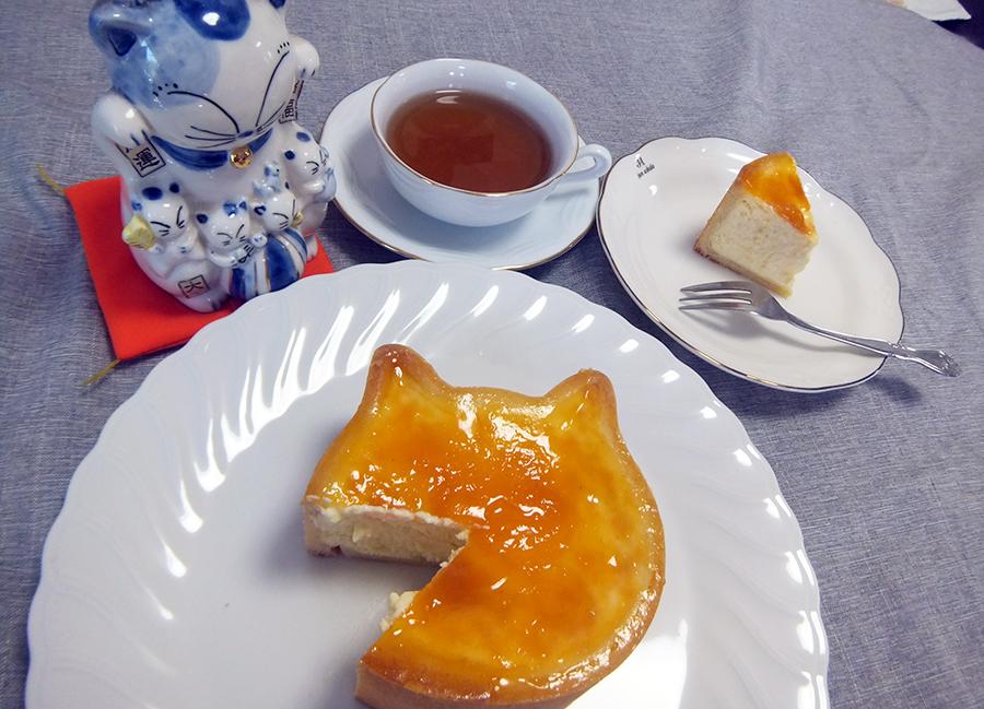 ねこねこチーズケーキでニコニコ